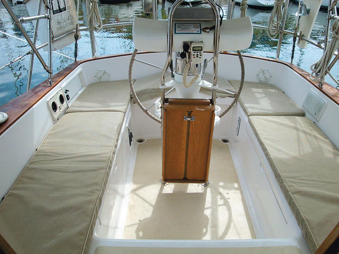 Gulfstar 39 cockpit