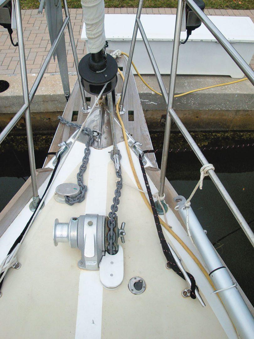 Gulfstar 39 foredeck