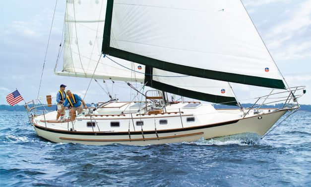 Crealock 37/Pacific Seacraft 37