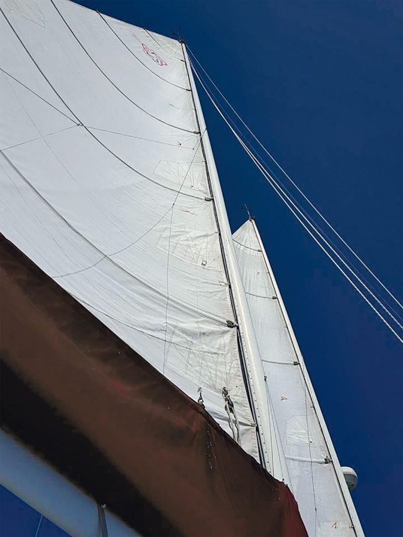 Freedom 39 sails